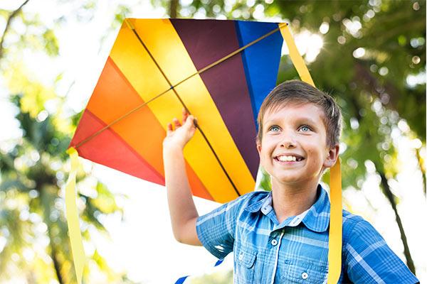 الطائرة الورقية نشاط ترفيهي للاطفال