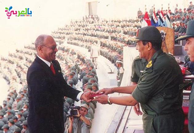 تكريم اللواء حسن طنطاوي للبطل اسماعيل بيومي قاهر خط بارليف
