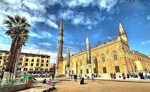 جامع مسجد الحسين في مصر