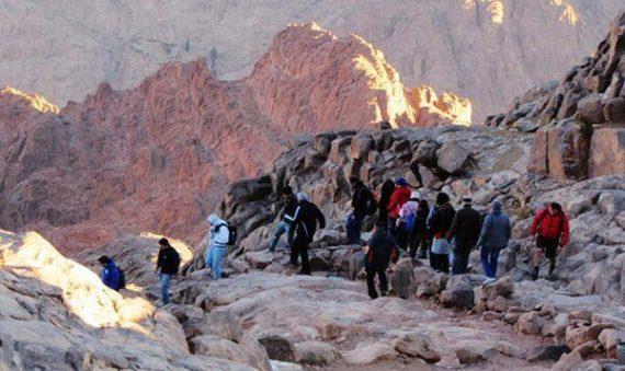 الفرق بين جبل موسى وجبل سانت كاترين - تسلق قبل سانت كاترين