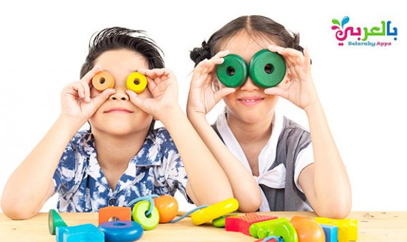 21 فكرة للعب وتسلية الأطفال في المنزل .