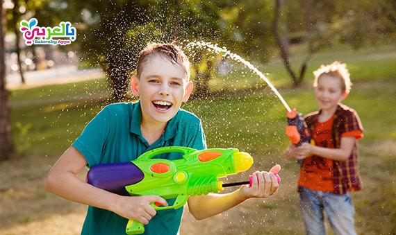 25 فكرة العاب مائية للاطفال .. للعب طوال فصل الصيف